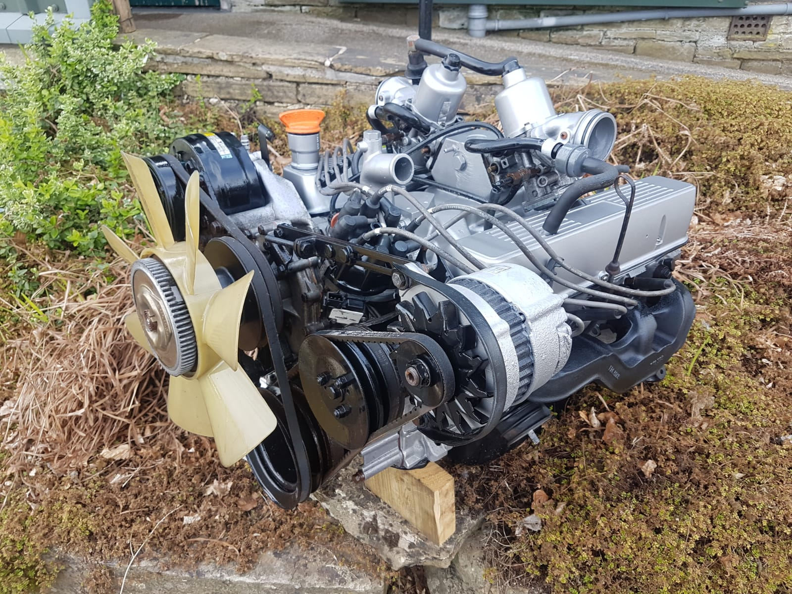 3.5 ROVER V8 CARBURETTOR LAND ROVER TAKE OUT UNIT