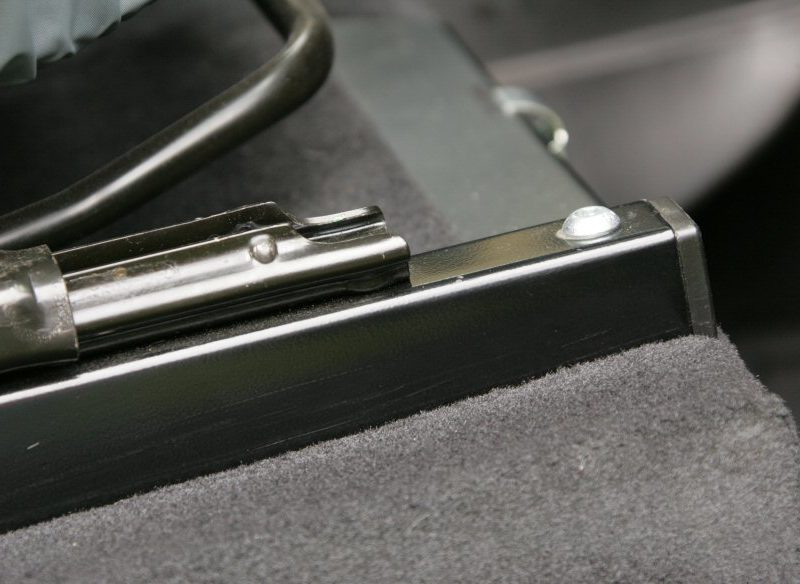 defender-seat-rails