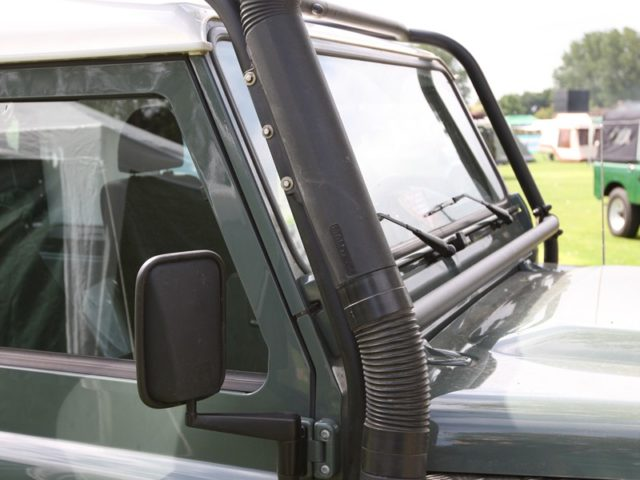 land-rover-defender-raised-air-intake