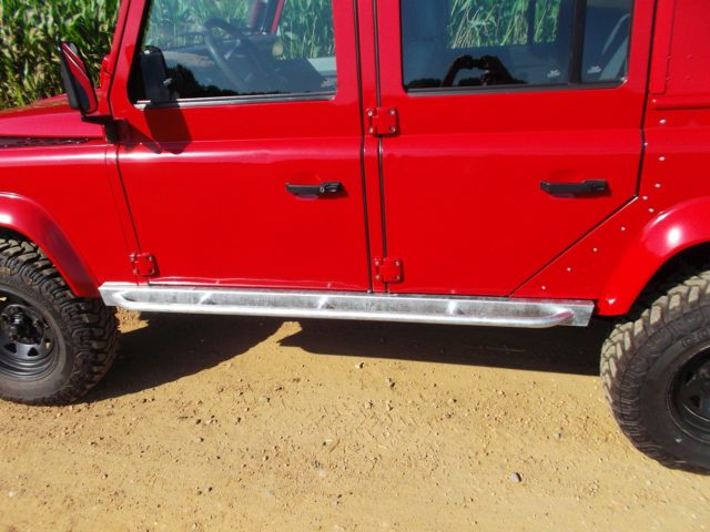 land-rover-rock-sliders-jackable-sills