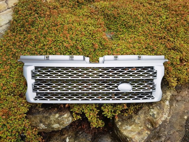 RANGE ROVER SPORT up to 06 UPGRADED GRILLE TO 2010 STYLE