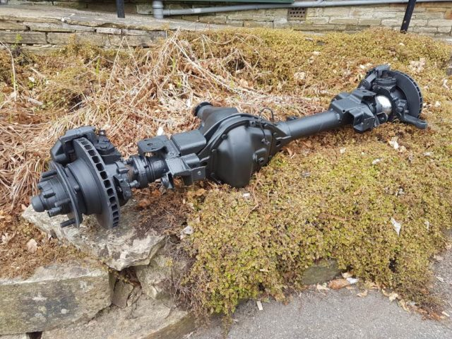 LAND ROVER DEFENDER 110 HEAVY DUTY FRONT SALISBURY AXLE (TAKE OFF)
